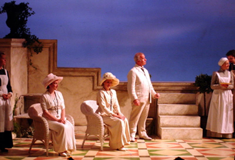 Photo 0f  Hannah Mason, Alison Guill & Anthony Scales in Cosi Fan Tutte performed by Opera UK 2005
